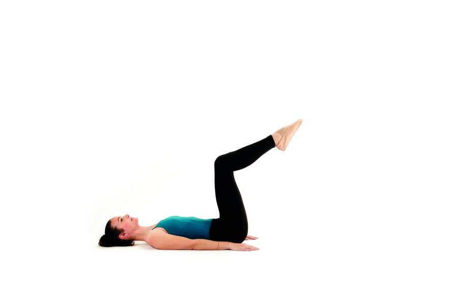 Séance de Pilates express avant d'aller se coucher : Toe taps - échauffement
