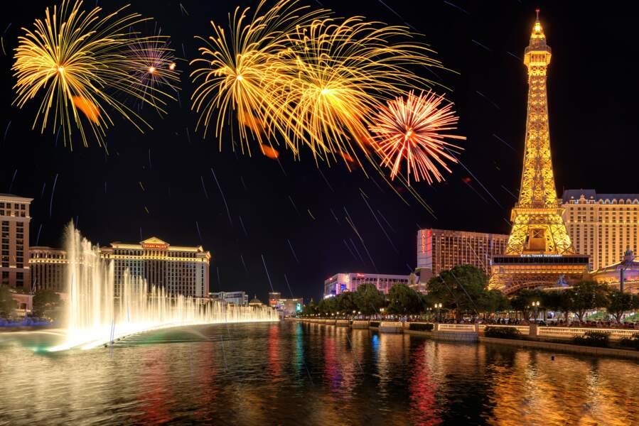 L'hôtel de Paris Las Vegas et une réplique de la Tour Eiffel.