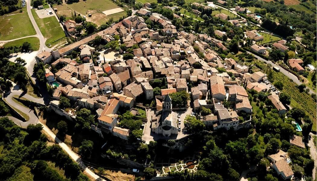 La Garde-Adhémar, commune de la Drôme située au cœur de la première terre trufficole au monde