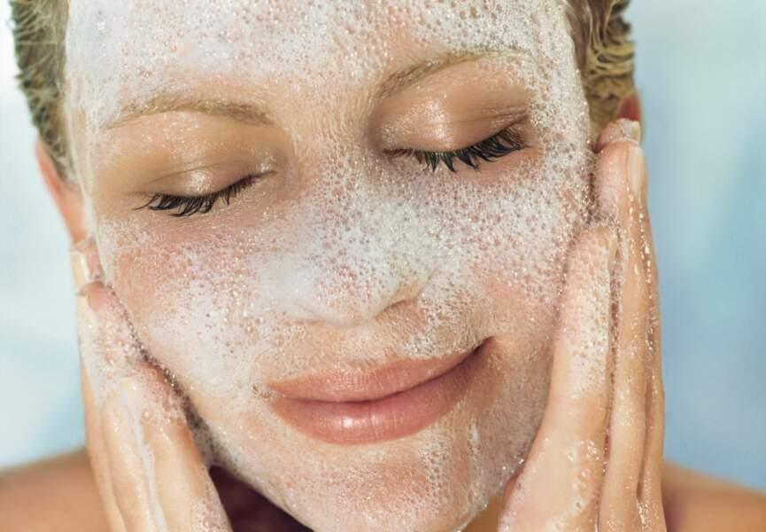 Mousse nettoyante pour le visage au citron