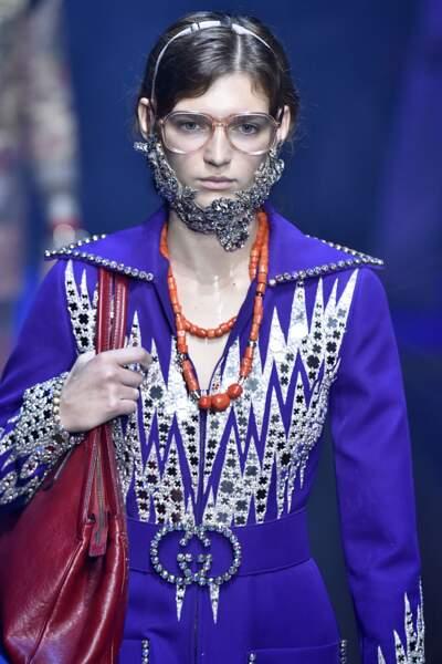 Les WTF de la fashion week : la barbe-bijou