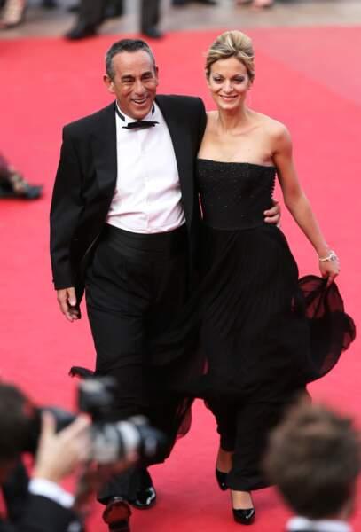 Thierry Ardisson et Audrey Crespo-Mara lors de la montée des marches au Festival de Cannes (2012)
