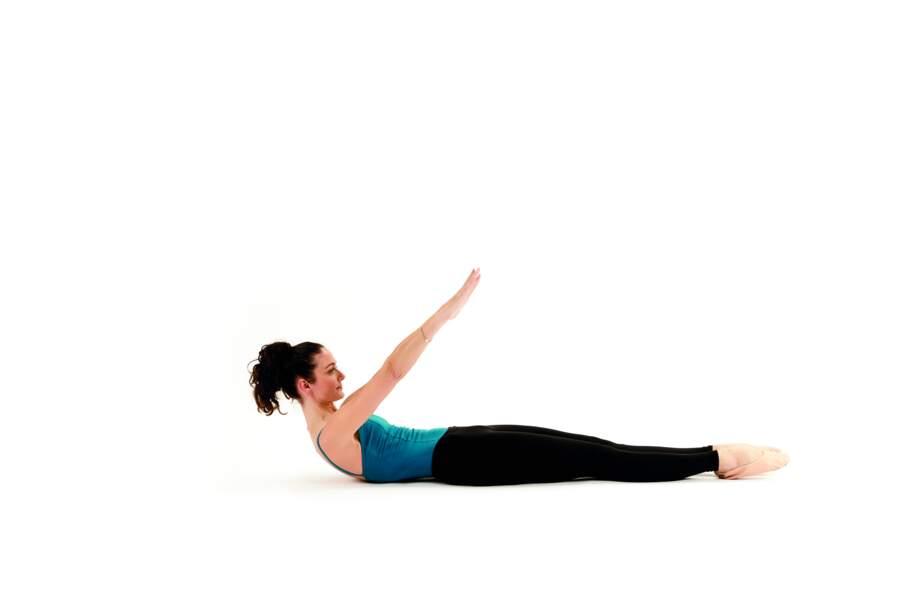 Séance de Pilates express avant d'aller se coucher : Roll up
