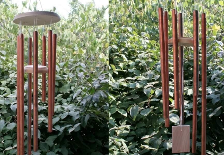 Un carillon avec des tubes de cuivre
