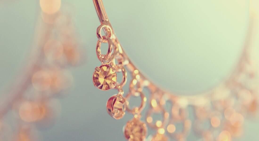 7 trucs et astuces pour nettoyer les bijoux en or