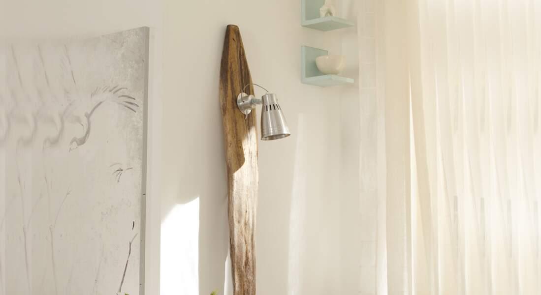 Fabriquer un lampadaire en bois flotté
