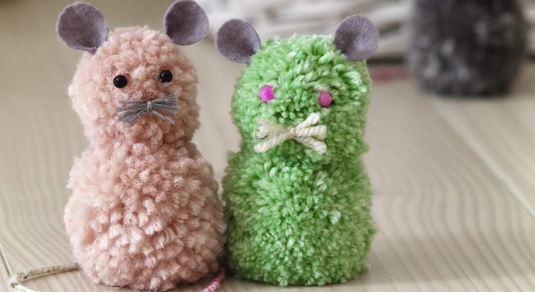 Des souris en pompons