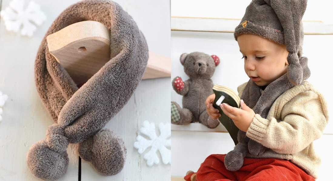 Une écharpe polaire pour bébé