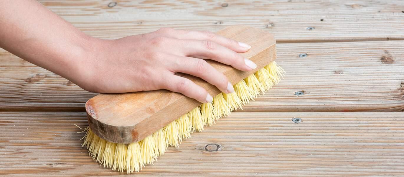 Mobilier de jardin, outils… Nos astuces pour bien les nettoyer