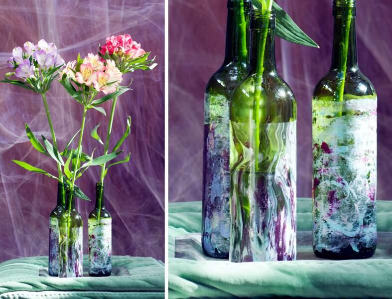 DIY : un vase-bouteille décoré au vernis à ongles