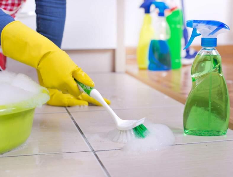 Comment nettoyer les joints de carrelage au sol ?