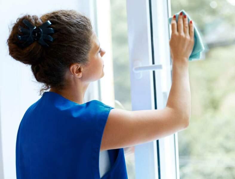 Comment nettoyer les vitres : 5 méthodes faciles
