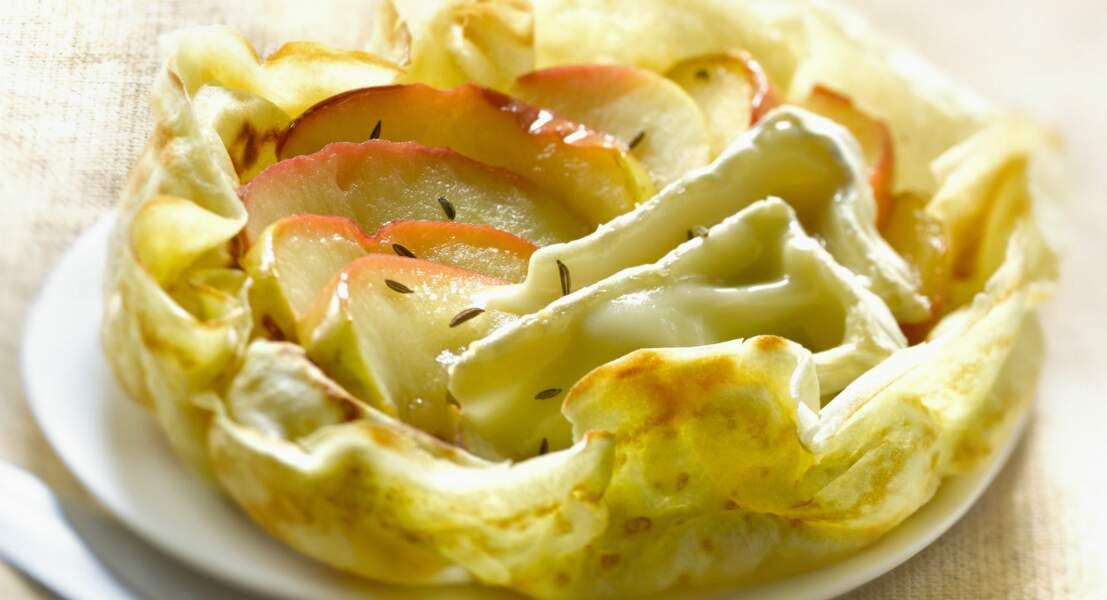 Crêpe à la pomme, camembert et cumin