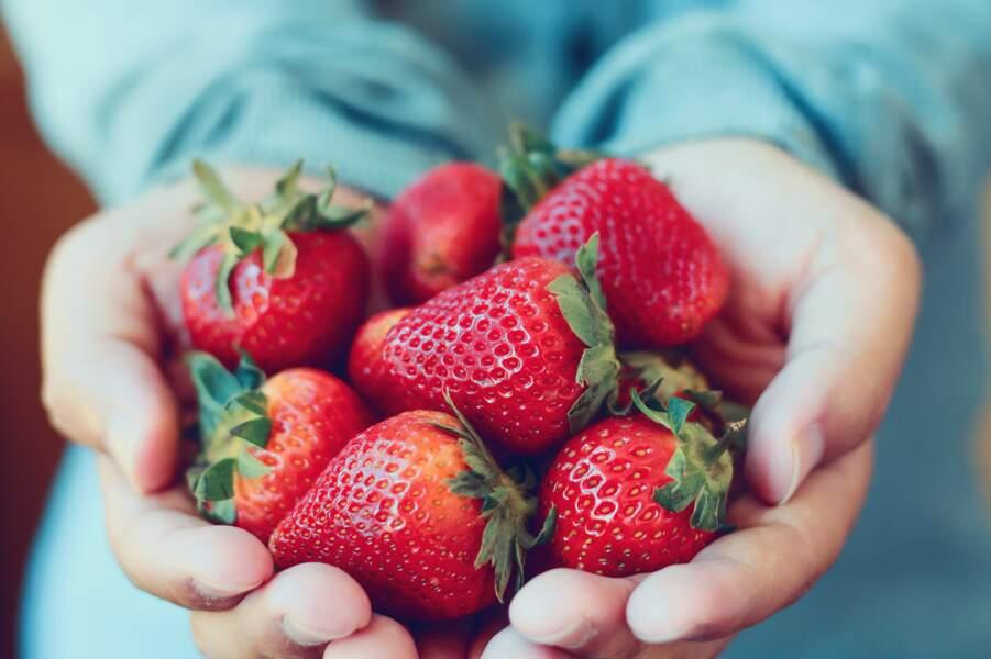 Salade de fraises à la fleur d'oranger de Cyril Lignac