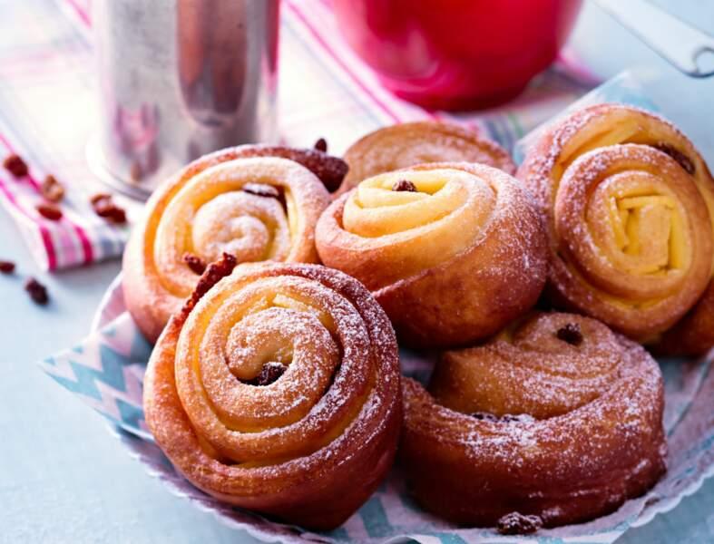 Beignets escargots aux pommes et raisins au rhum