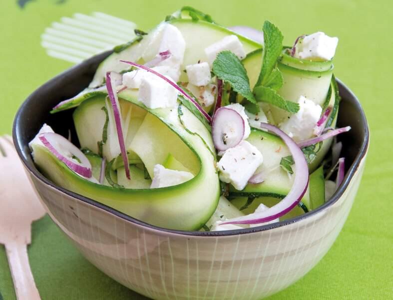 Salade de courgettes à la feta et à la menthe fraîche