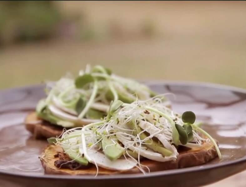 Tartines végétariennes de patates douces et d'avocat prêt en 5 minutes !