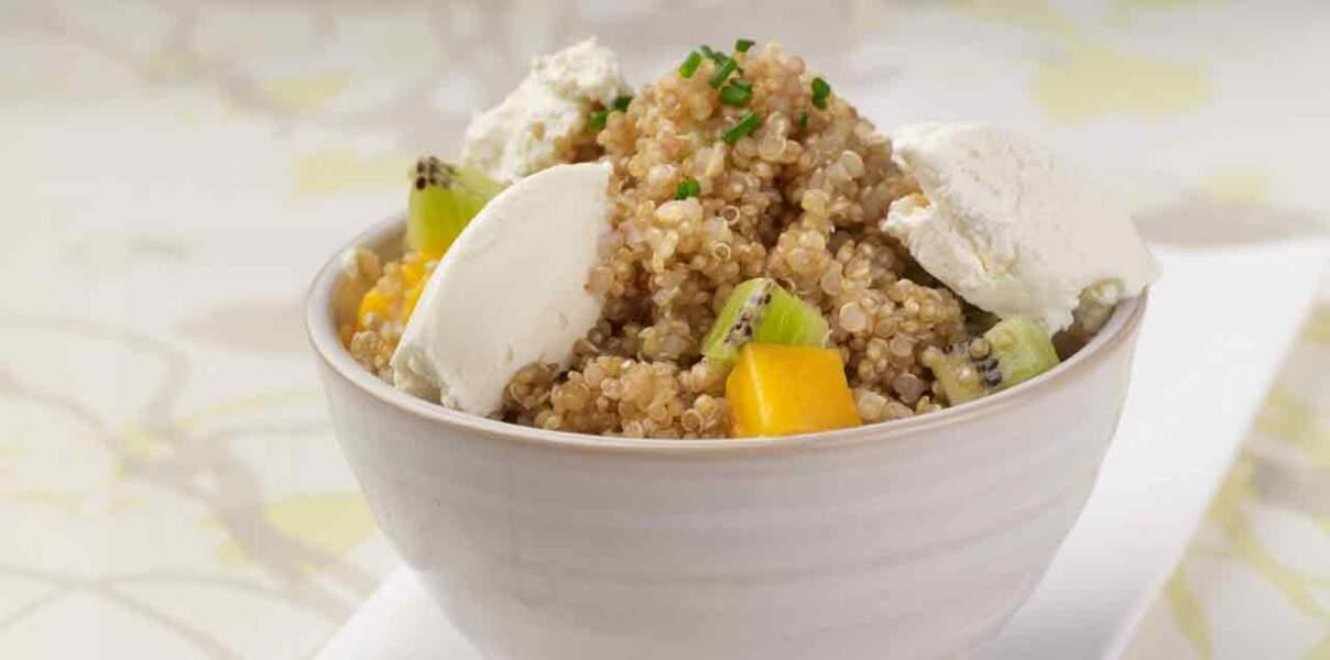 La salade de quinoa, mangue et kiwi