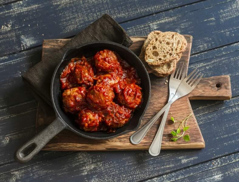 Boulettes de viande en sauce tomate