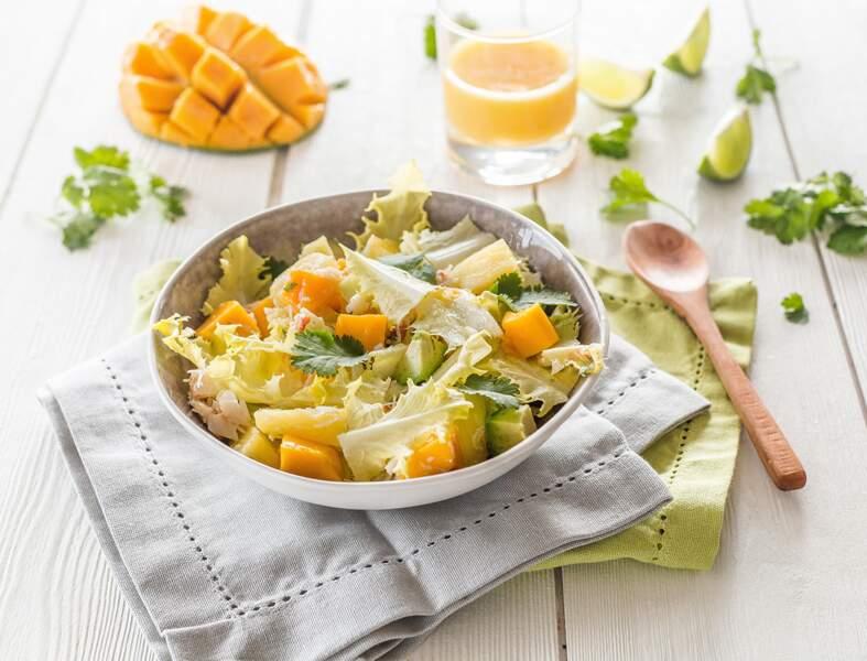 Salade d'endives frisées, crabe à l'ananas et à la mangue