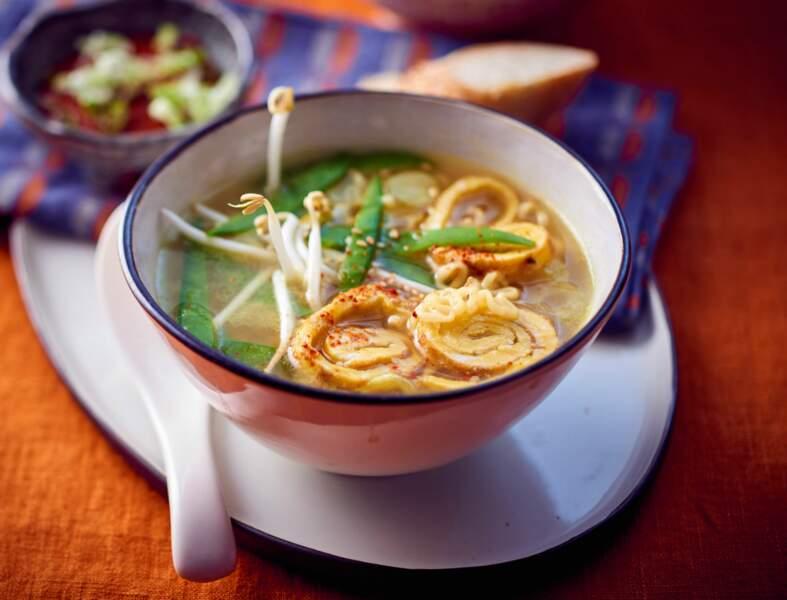 Soupe chinoise complète à l'omelette