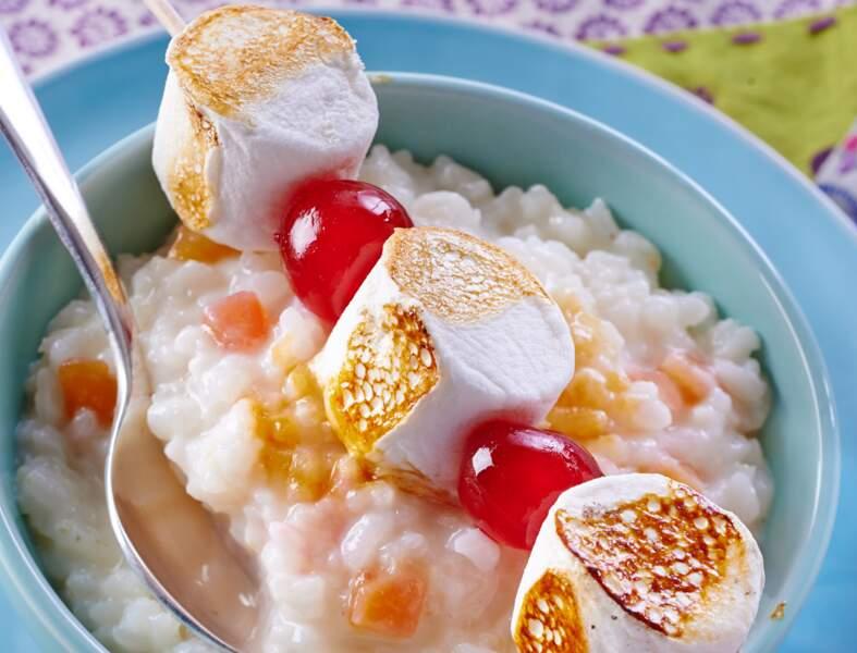 Riz au lait et chamalows grillés, comme des brochettes de Saint-Jacques au risotto