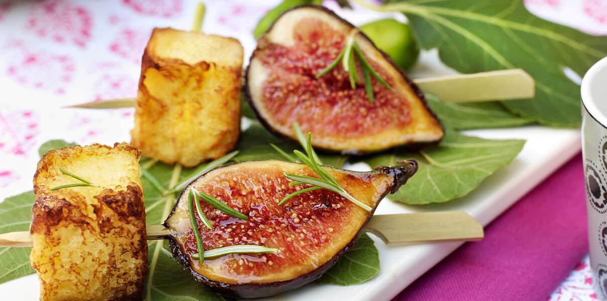 Brochettes de figues à la brioche perdue