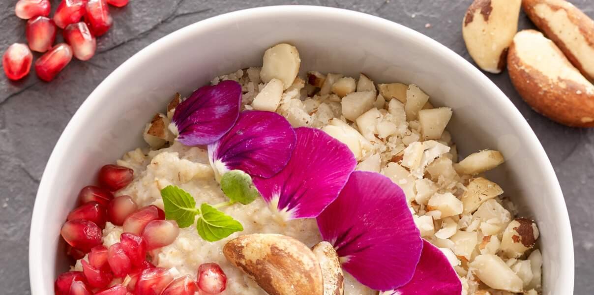 Porridge à la grenade et noix du Brésil