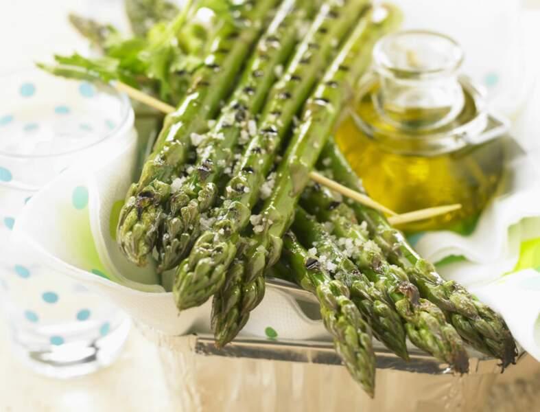 Comment réussir la cuisson des asperges vertes