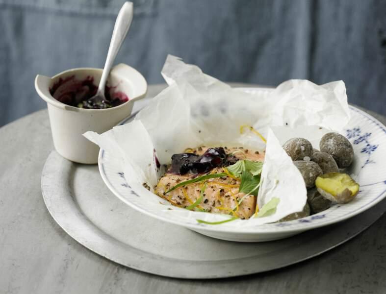 Filet de saumon sur purée de myrtilles