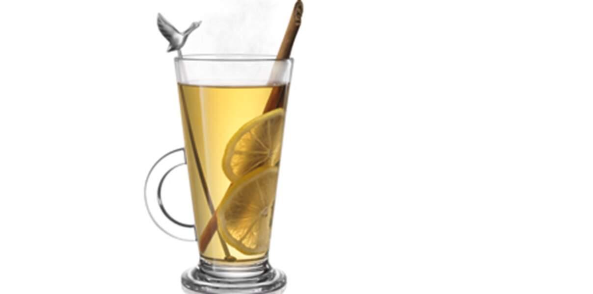 Cocktail chaud citron-orange-cannelle à la vodka