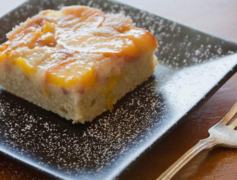 Gâteau d'amandes aux brugnons
