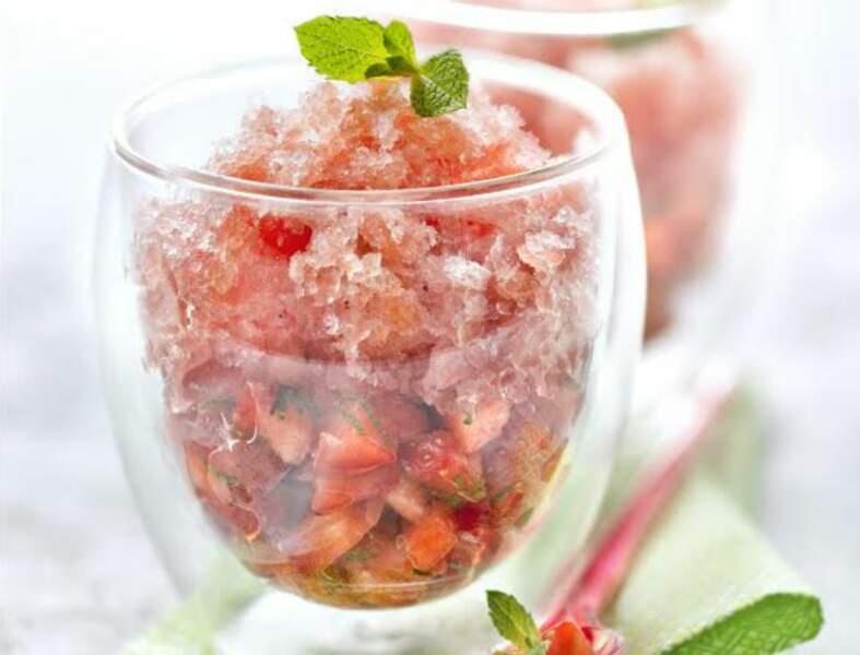 Tartare de fraise à la menthe, granité de pastèque