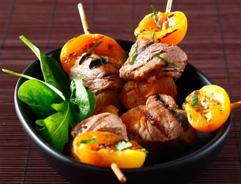 Brochettes de porc aux abricots