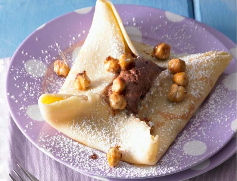 Crêpes à la mousse au chocolat, noisettes caramélisées