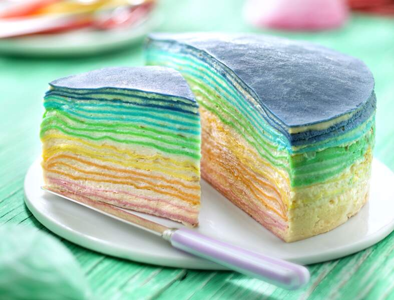 Gâteau millecrêpes arc-en-ciel