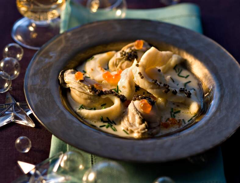 Emincé de turbot et huîtres pochées au champagne