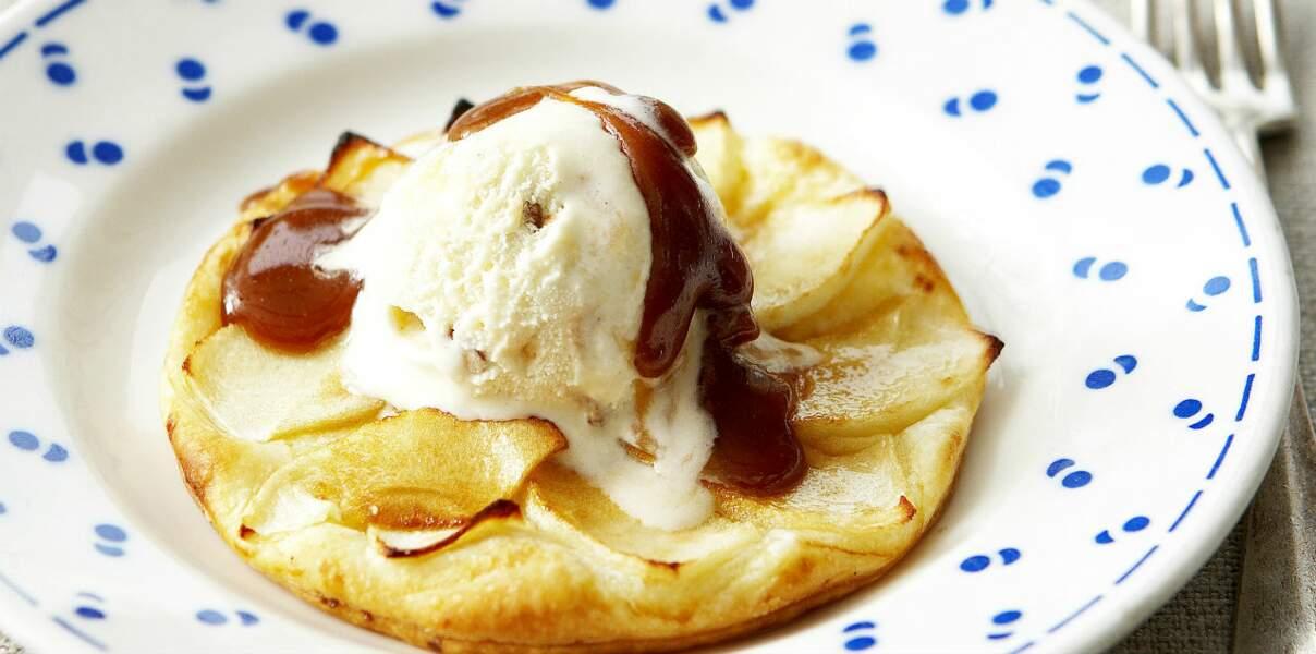 Tarte fine aux pommes et caramel beurre salé