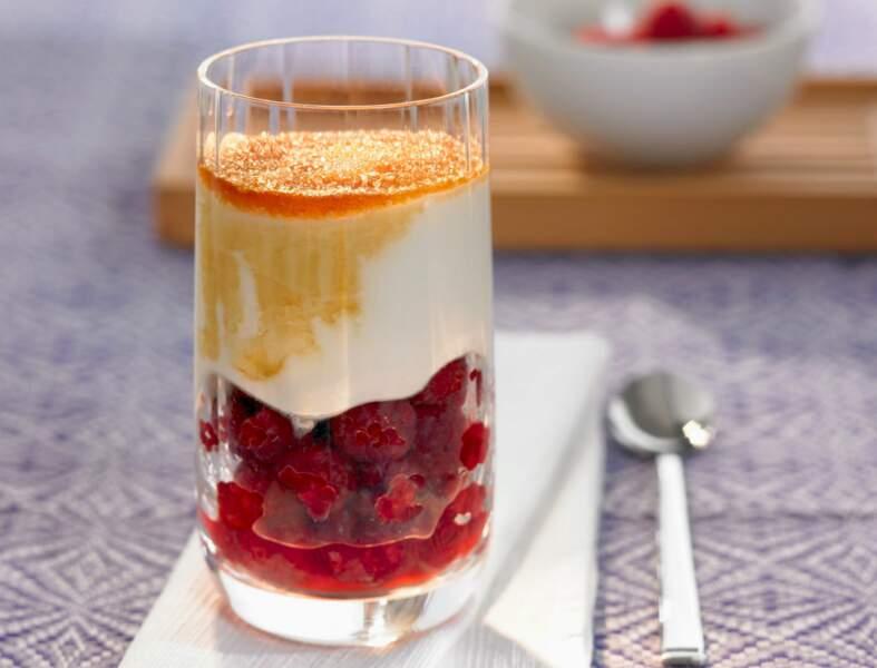 Verrine de framboise au yaourt crémeux
