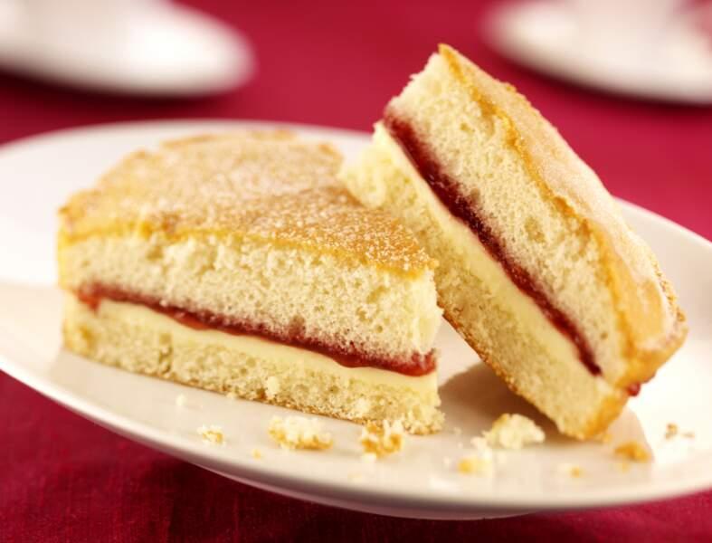 Gâteau fourré chocolat blanc et framboise