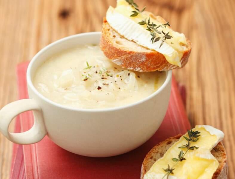 Soupe veloutée au camembert