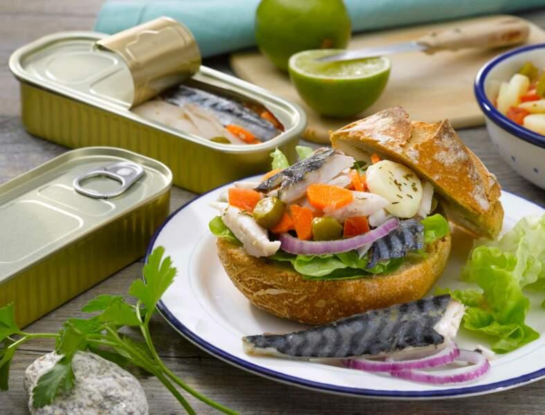 Le pan bagnat maquereau et pommes à l'huile