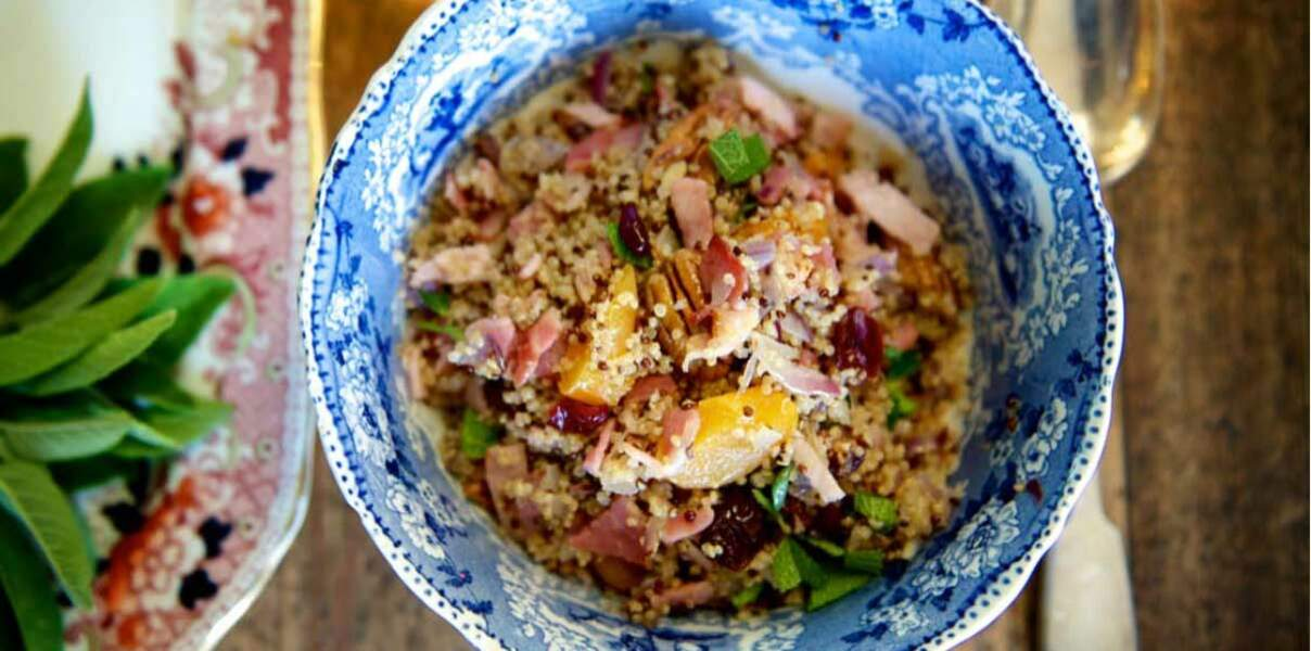 Salade de quinoa, cranberry, abricot et noix de pécan