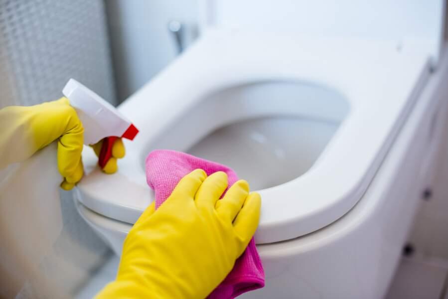 6 étapes pour bien nettoyer ses toilettes en 5 minutes chrono