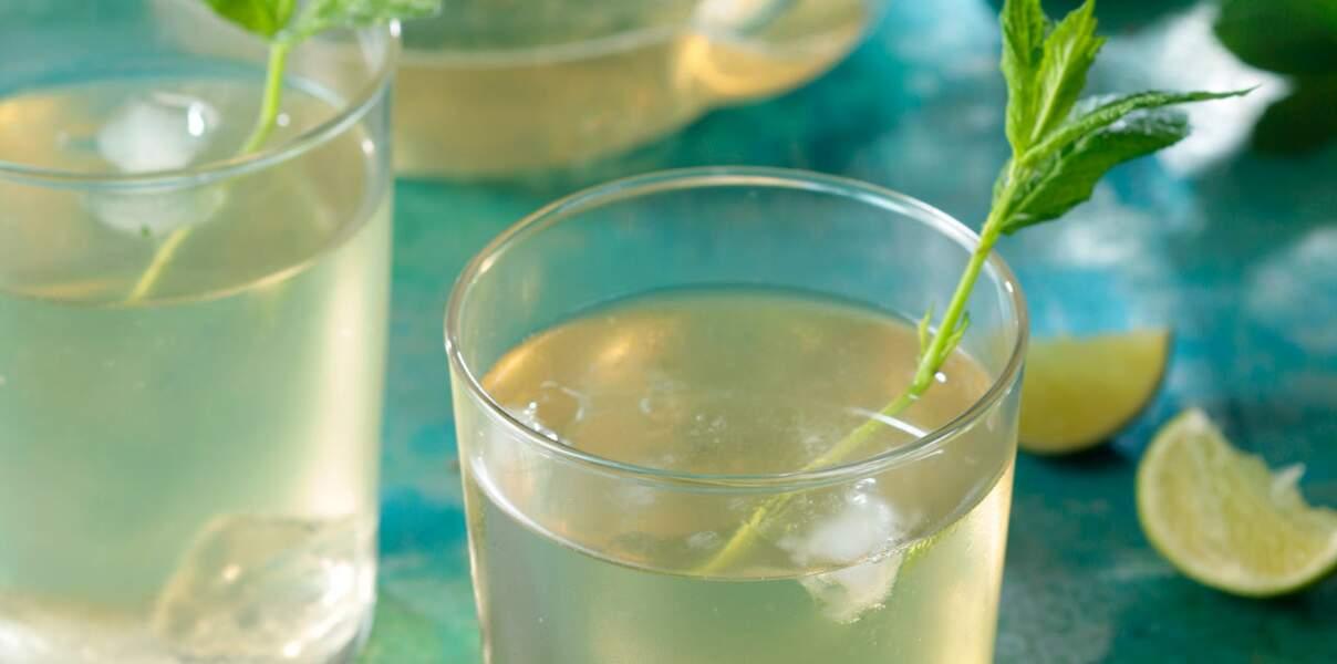 Thé vert pétillant au sirop d'agave