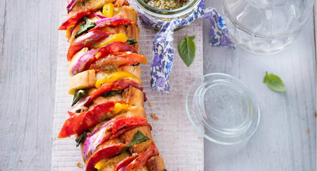 Baguette au chorizo, poivron et tomates confites