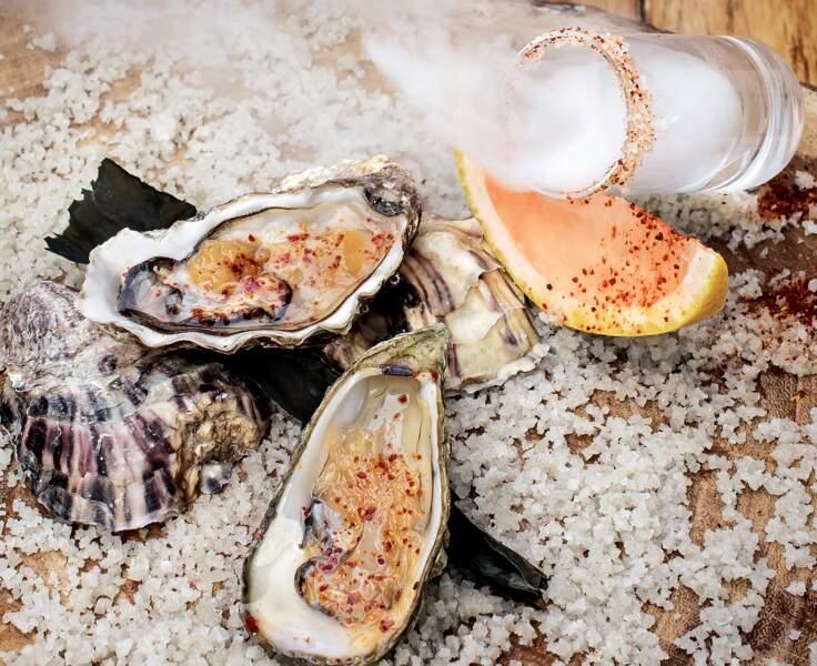 Huîtres au naturel et pamplemousse de Floride compoté au miel