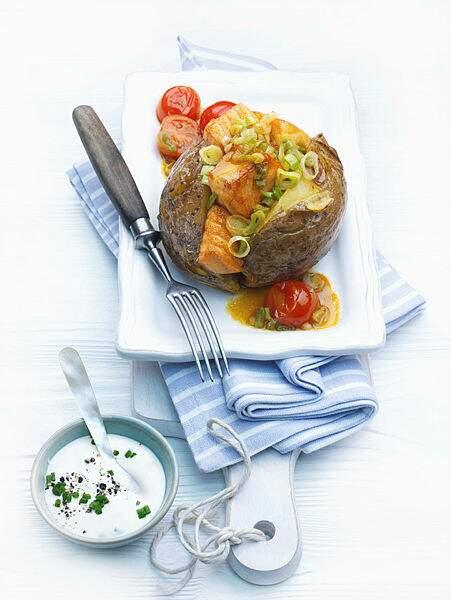 Pommes de terre en robe des champs au saumon