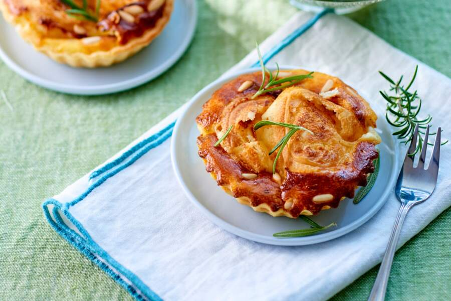 Tartelettes chèvre et miel, salade de figues