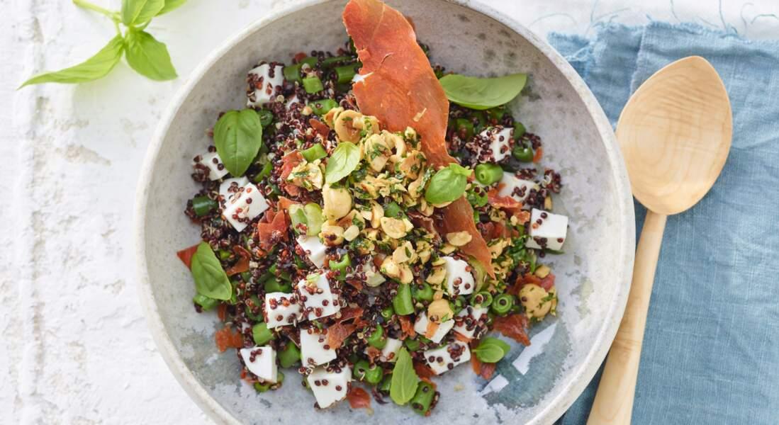 Quinoa rouge à la feta et chips de jambon croustillant